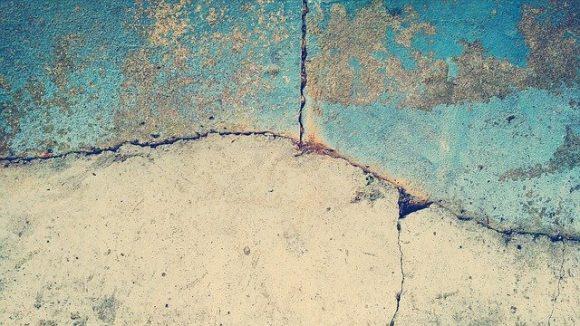 concrete cracking